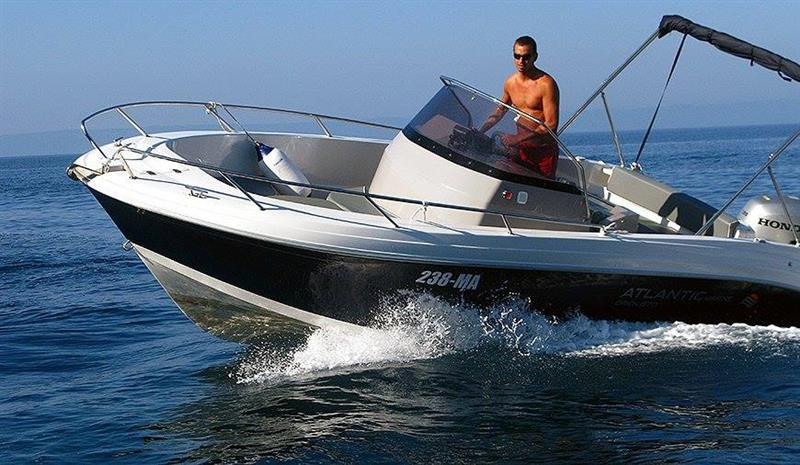 Rent a boat rent a speed boat in Makarska